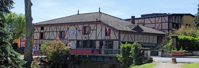 Entrée restaurant Georges Blanc à Vonnas  © Chabe01