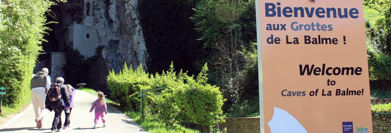 Les Grottes de La Balme  Entrée des Grottes © DR (3)